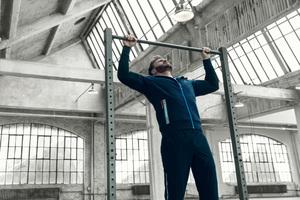 """FILA RED系列  """"美国队长""""克里斯•埃文斯演绎时尚运动风格"""