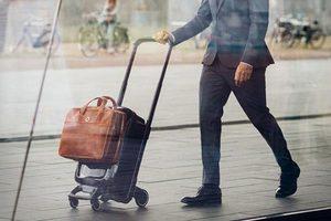 好玩的行李车 男人出行从容多了