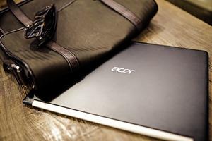 """""""最薄笔记本电脑""""Acer蜂鸟Swift 7即将上市"""