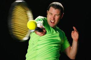 冬季在室内打网球需注意的细节