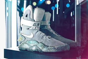 《回到未來II》中McFly所穿Nike MEG將被公開拍賣