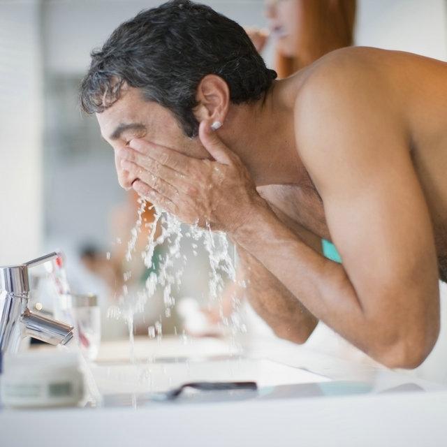男士清洁毛孔的注意事项