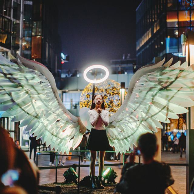 京城时髦人真会玩!国际LED灯光池点亮三里屯太古里