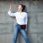 Prada推出新款Cahier系列手袋