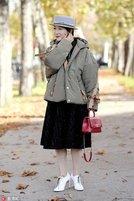 时髦又抗冻 棉服这样穿也时尚