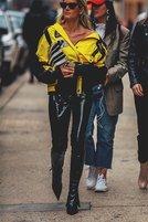纽约时装周街拍趋势 PVC和超大号风衣
