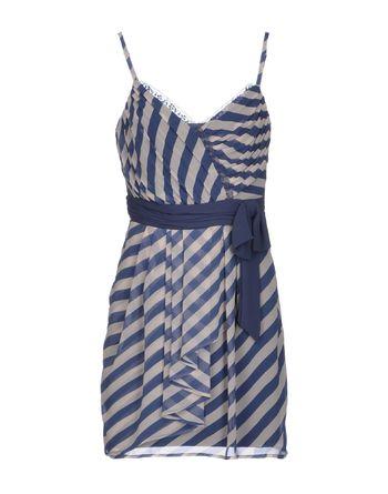 粉蓝色 LIPSY 短款连衣裙
