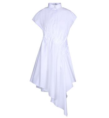 超短衬衫裙 球鞋