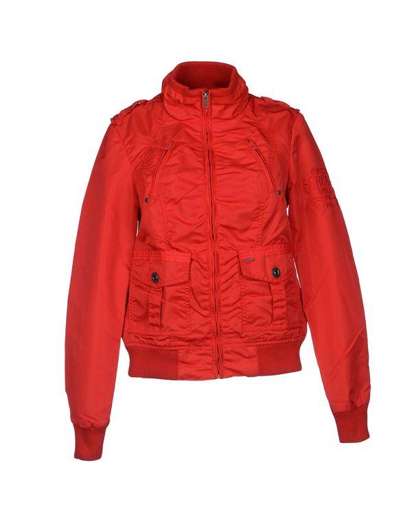 红色 ONLY 夹克