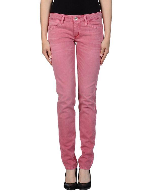 浅紫色 WRANGLER 牛仔裤