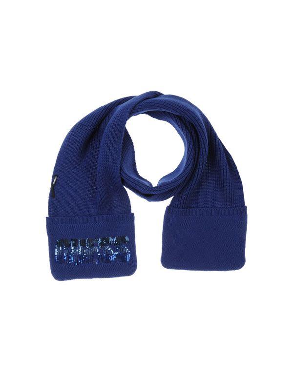 蓝色 GUESS 围巾