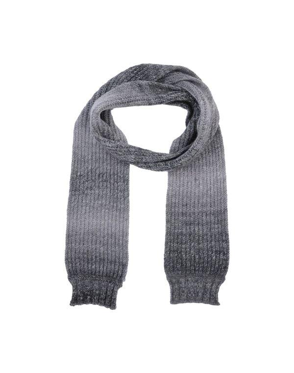 灰色 D&G 围巾