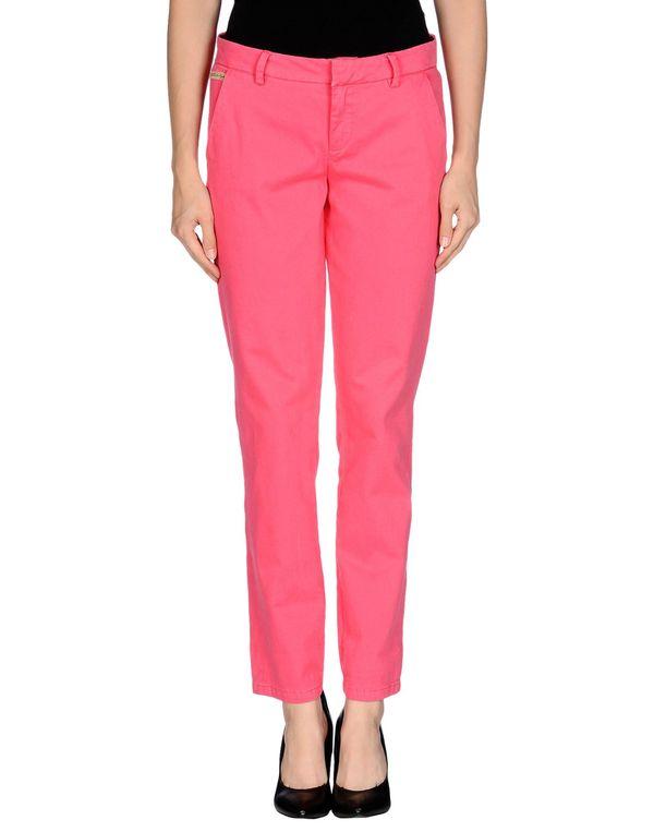 珊瑚红 GUESS 裤装