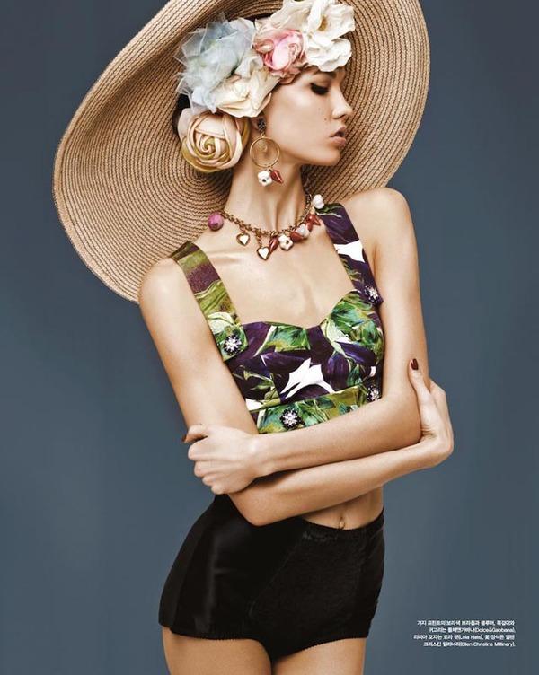 Karlie Kloss 与 Dolce & Gabbana 邂逅韩国版 VOGUE