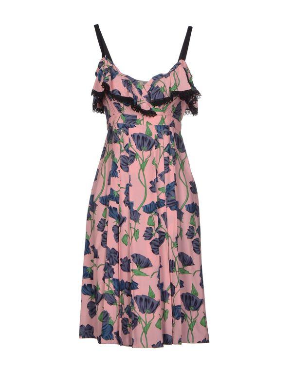 粉红色 PRADA 及膝连衣裙