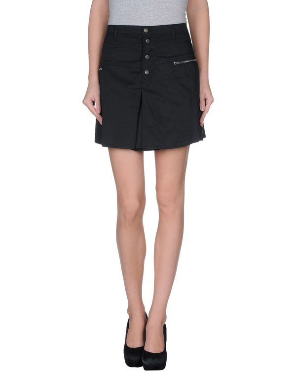 黑色 ARMANI JEANS 超短裙