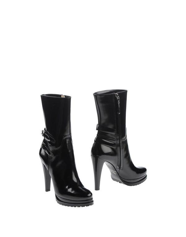 黑色 GIORGIO ARMANI 短靴