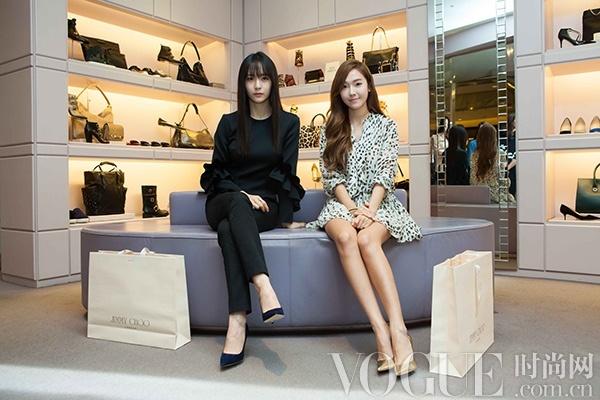 韩国艺人穿著Made To Order特别订制鞋款亮相Jimmy Choo首尔店