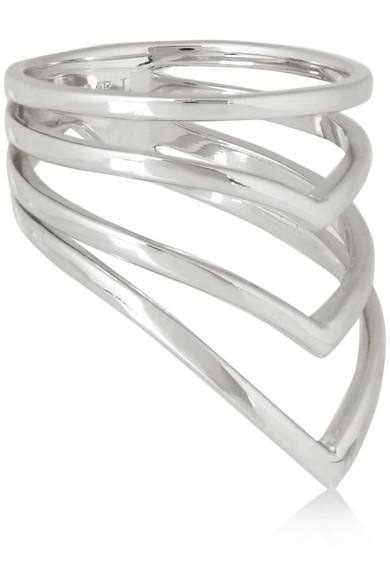 V 字形银质戒指