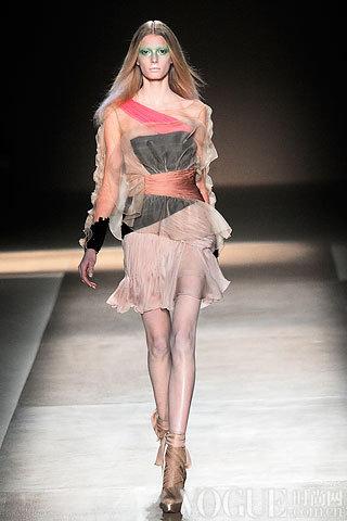 Valentino2010春夏时装秀