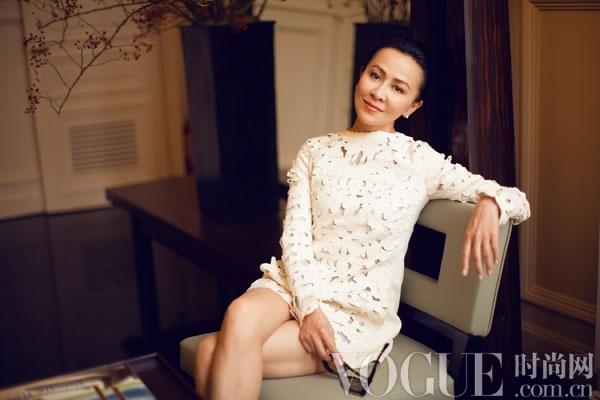 刘嘉玲获邀参观Valentino秀后最新女装系列展览