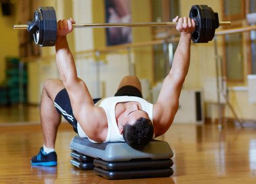 如何合理规避过度训练的风险
