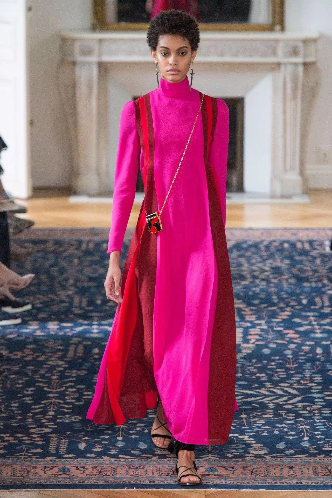 巴黎时装周上的新潮流是这些!为时尚先锋指点一二(图1)