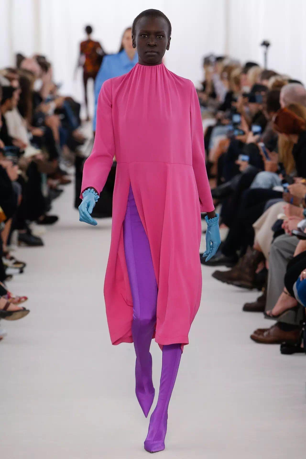 巴黎时装周上的新潮流是这些!为时尚先锋指点一二(图3)