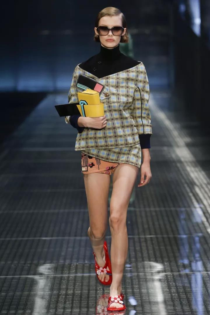 00后模特那么多 但时尚圈却记住了她