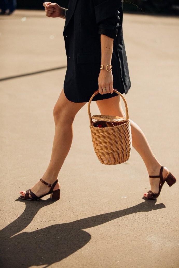 时髦的不是单品,而是它身上的时尚风格创作