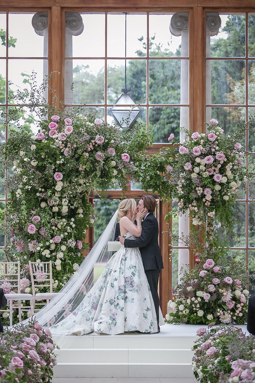 您应该了解的 2020 年 6 大婚礼潮流