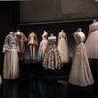 全世界最美的裙子,都藏在这个展览里
