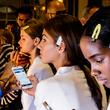 手机蓝光会老化皮肤和扰乱睡眠——这里为你提供一些自我防护方法