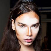 500年来,女人的修容就是一部化妆史