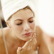 【护肤百问】干涩紧绷才意味着脸确实洗干净了吗?