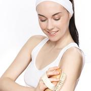 【护肤百问】手臂上的鸡皮疙瘩有办法彻底去除吗?