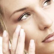【护肤百问】用了保湿产品皮肤还是感觉干燥怎么办?