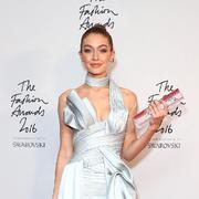 英国时尚大奖红毯,Gigi Hadid怎么穿得这么美