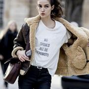 一件白T恤,是你衣橱里最聪明的投资