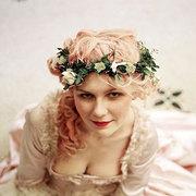 5月的新娘发饰,离不开一顶花冠