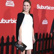 朱利安·摩尔(Julianne Moore)佩戴Chopard萧邦高级珠宝系列亮相电影《迷镇》(Suburbicon)首映礼