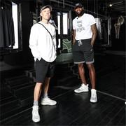 "NikeLab X158呈现""LeBron James x John Elliott系列""艺术装置展 致敬勒布朗·詹姆斯个人魅力与运动精神"