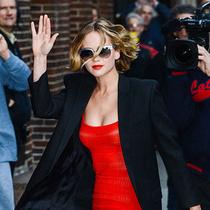 好莱坞热门女星詹妮弗·劳伦斯年度最美瞬间