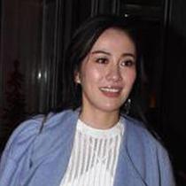 叶璇身着SHIATZY CHEN 2015春夏系列出席高圆圆婚礼