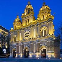 在全球最美教堂中观礼体味纯正平安夜