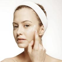 带有香氛的护肤品 味道提升护肤效果