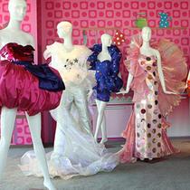 "Moschino 2015春夏Capsule系列""Think Pink"""