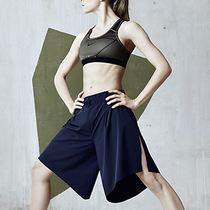 NIKELAB推出约翰娜·史耐德女子健身系列:为身体运动而特别设计的模块化服装
