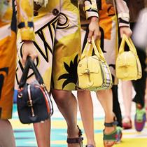 Burberry 2015春夏女装系列The Bee Bag蜜蜂手袋缤纷登场