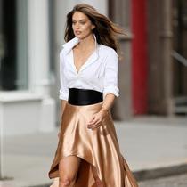 半身裙很百搭 但你真的会穿吗?